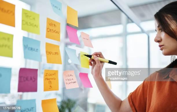 el éxito está mucho más cerca cuando lo visualizas - marketing fotografías e imágenes de stock