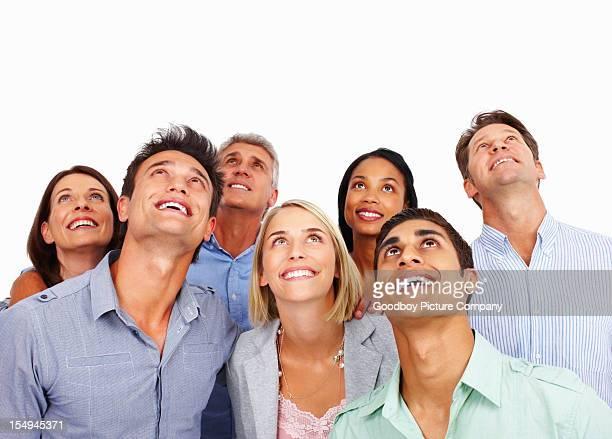 Succès de gens d'affaires regardant vers le haut