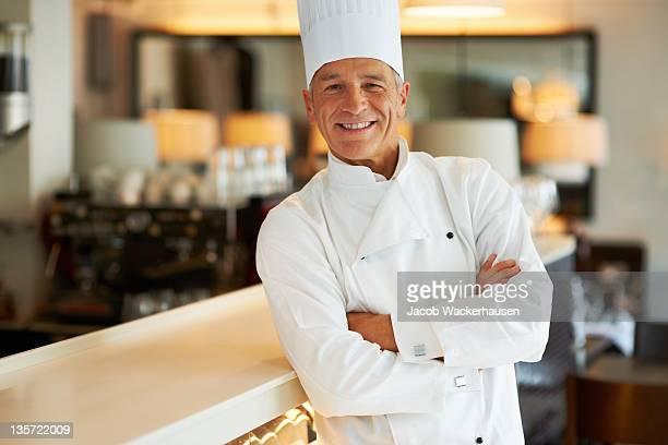 chef di successo - chef foto e immagini stock