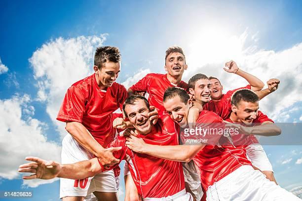 サッカーチームの成功をご堪能ください。