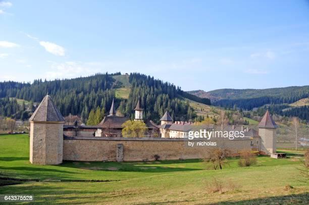 monasterio de sucevita, rumania - moldavia fotografías e imágenes de stock