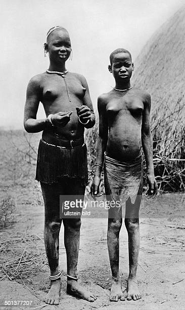 girls of the Nuer tribe probably in the 1910s
