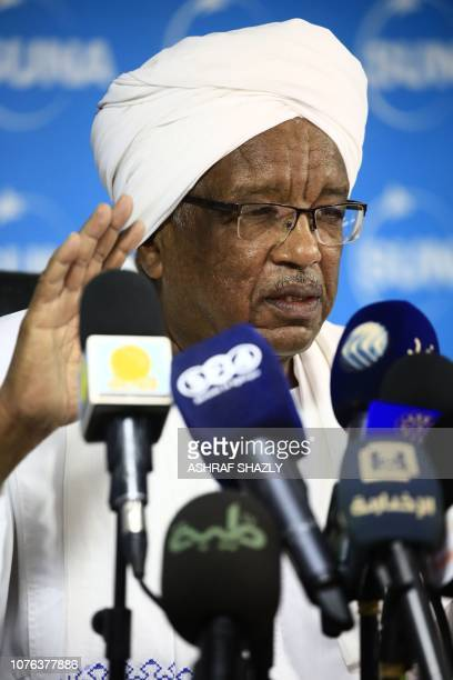 Sudanese Governor of the Bank of Sudan Mohammed Khair AlZubair speaks during a press conference in Khartoum on January 01 2019 Africa's second...
