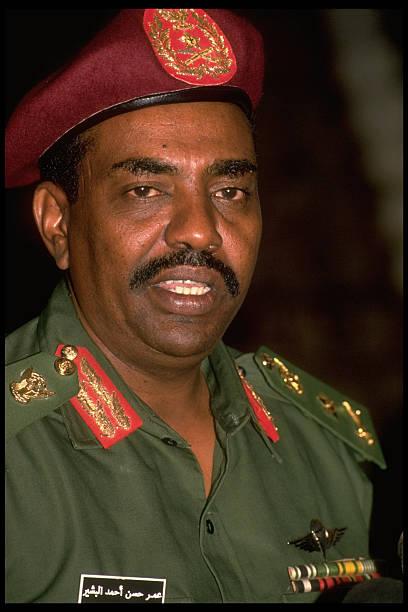 sudanese-ldr-omar-albashir-during-mtg-w-pres-mubarak-picture-id50431649