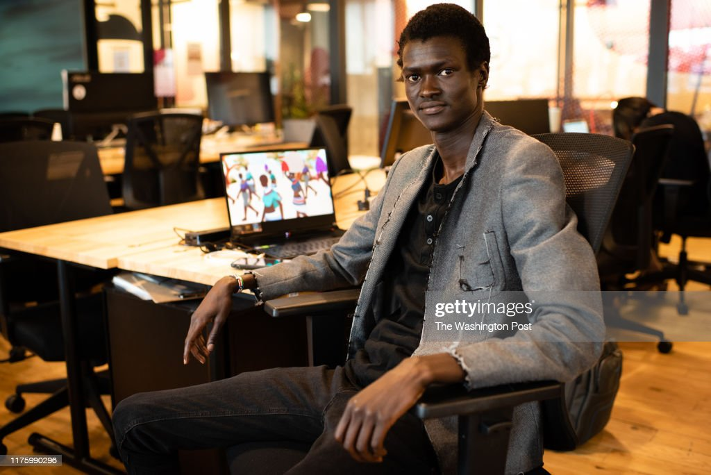 Sudanese refugee, Lual Mayen, 24, has turned his experience into a video game titled Salaam which will be released in December. He is pictured at his WeWork office in Washington, DC. : Fotografía de noticias