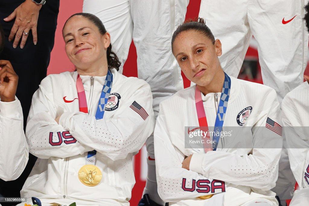 Women's Basketball Medal Ceremony - Olympics: Day 16 : News Photo