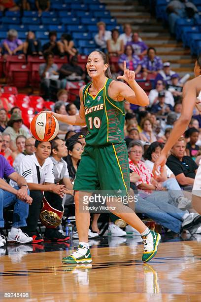 Sue Bird of the Seattle Storm sets the play against the Sacramento Monarchs during the WNBA game on July 17 2009 at ARCO Arena in Sacramento...