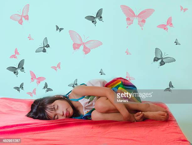 sueños que se cumplen - fetal position stock photos and pictures