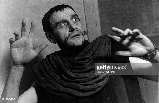 Suessenguth Walter Actor director Germany * as Aegisth in 'The Flies' by Jean Paul Sartre Director Juergen Fehling Hebbel Theater Berlin Photographer...