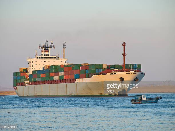 suez canal - suez canal stock pictures, royalty-free photos & images