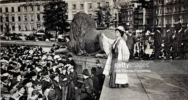 Suffragette Movement Mrs Emmeline Pankhurst speaking at Trafalgar Square inviting the the crowds to rush to the House of Commons