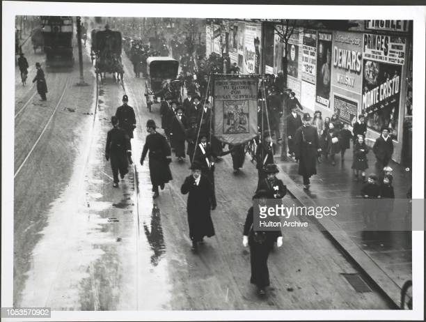 Suffragettes walk from Edinburgh to London The procession proceeding down Finchley Rd