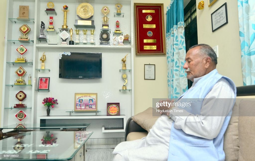 Sufi Singer Padma Shri Ustad Puran Chand Wadali in grief over his younger brother Ustad Pyarelal Wadali death at Pyarelal Wadali residence at native..