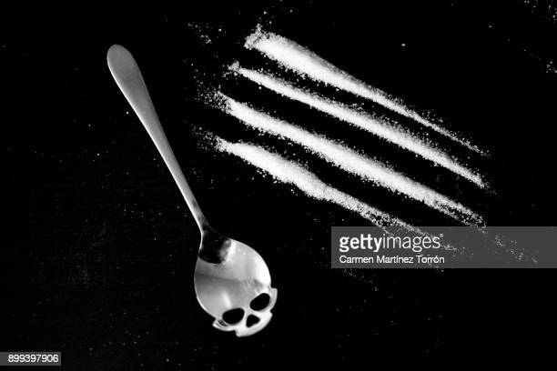 sugar and salt addiction - cocaine stock photos and pictures