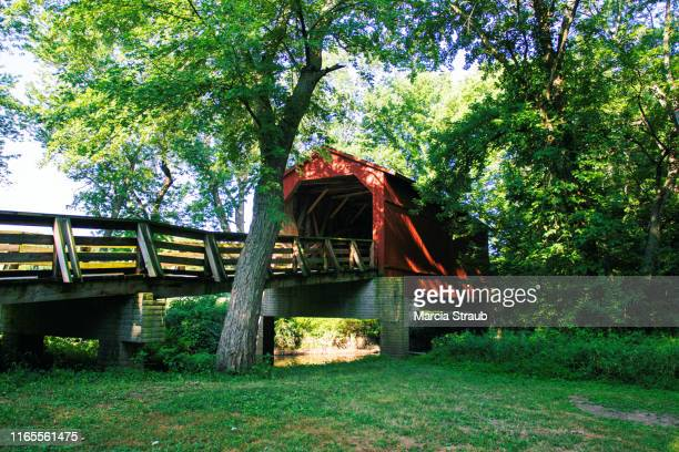 sugar creek red covered bridge - illinois stock pictures, royalty-free photos & images