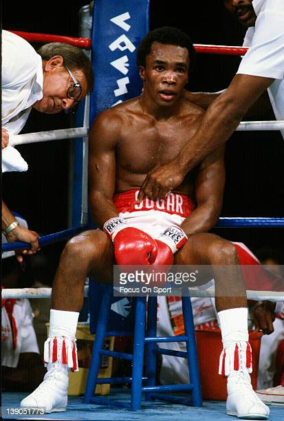 Sugar Ray Leonard sits in his corner with his trainer Angelo Dundee to his left in between rounds during a scheduled fifteen round WBC WBA...