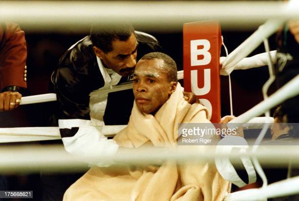 Sugar Ray Leonard sits in the corner between rounds during the WBC Super Middleweight title fight against Roberto Duran at the Mirage Hotel Casino on...
