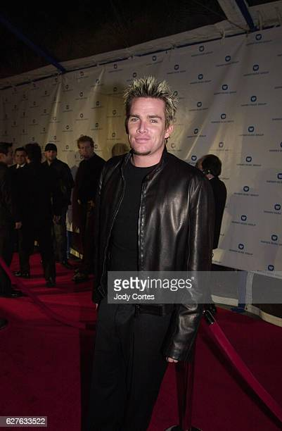 Sugar Ray's Mark McGrath arrives at the Warner Brothers Grammy party
