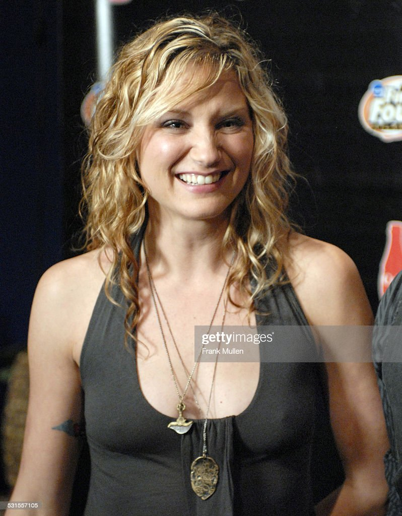 2007 ncaa mens final four coca cola meet and greet april 1 sugarland jennifer nettles during 2007 ncaa mens final four coca cola meet and kristyandbryce Image collections