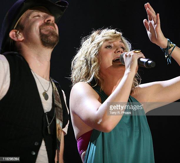 Sugarland perform onstage during the VAULT Concert Stages during the 2008 CMA Music Fes tival on June 5, 2008 at LP Field in Nashville, Tennessee.