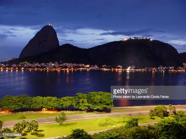 sugarloaf at night - leonardo costa farias - fotografias e filmes do acervo