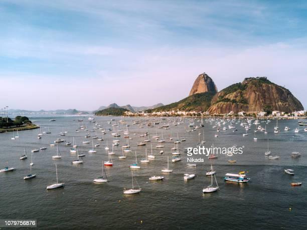 zuckerhut in rio de janeiro, brasilien - copacabana rio de janeiro stock-fotos und bilder