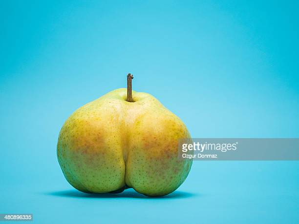 suggestively shaped pear - sensualité photos et images de collection
