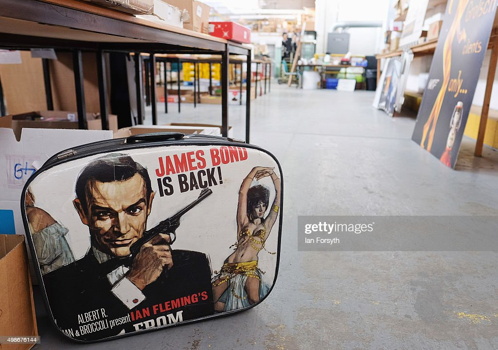 Over 700 James Bond Toys Spanning All The Films Are Up For Auction : ニュース写真