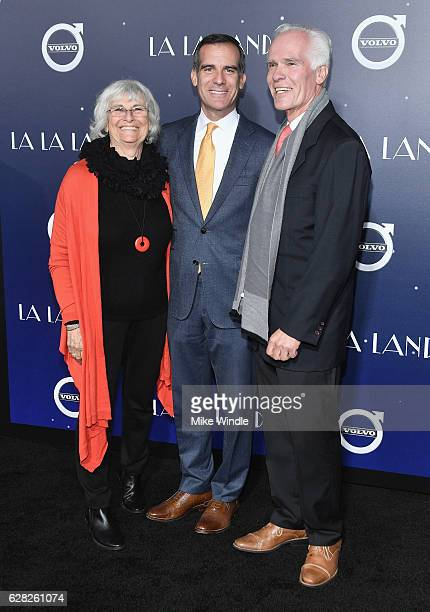 Sukey Roth Mayor of Los Angeles Eric Garcetti and Gil Garcetti attend the premiere of Lionsgate's La La Land at Mann Village Theatre on December 6...