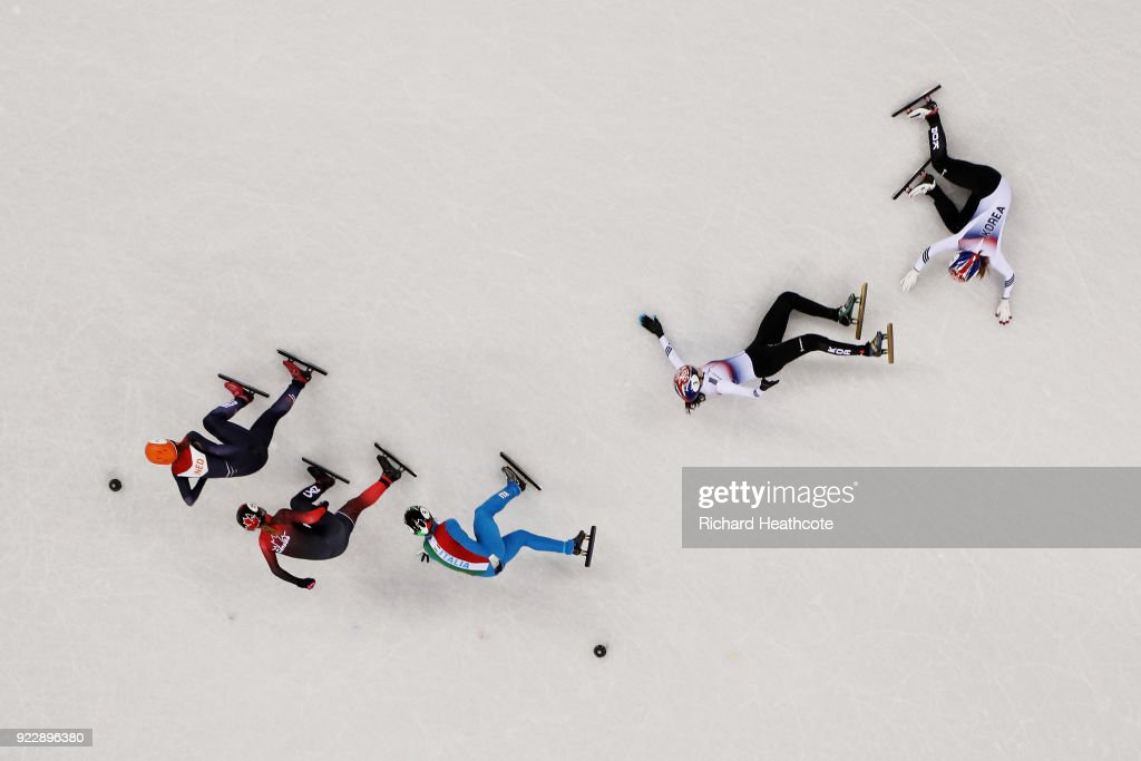 Sukhee Shim of Korea and Minjeong Choi of Korea crash during the Ladies' 1,000m Short Track Speed Skating Final A on day thirteen of the PyeongChang 2018 Winter Olympic Games at Gangneung Ice Arena on February 22, 2018 in Gangneung, South Korea.