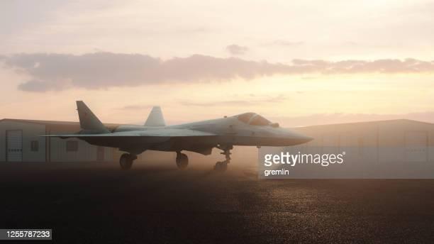 sukhoi su-57 caccia stealth russo - base militare foto e immagini stock