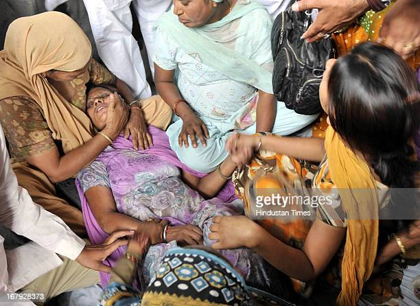 Sukhpreet Kaur, wife of Sarabjit Singh, an Indian prisoner in Pakistan who died in Pakistan hospital after being attacked by fellow inmates mourning...