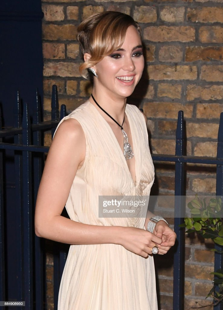 Suki Waterhouse attends the London Evening Standard Theatre Awards at the Theatre Royal on December 3, 2017 in London, England.