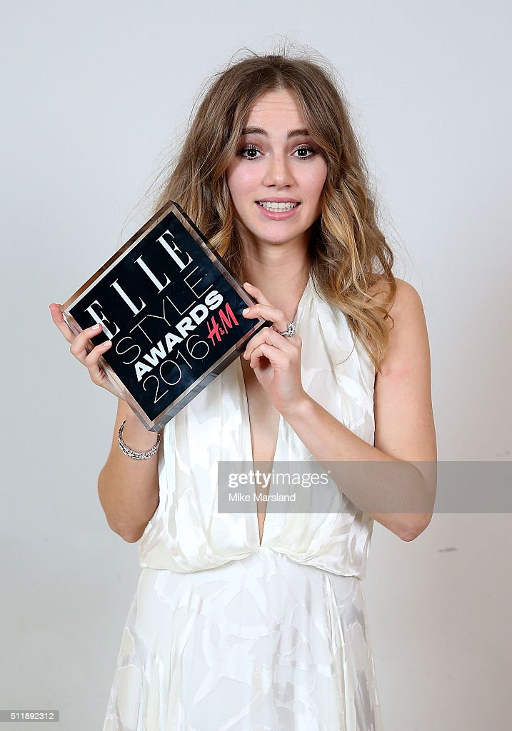 Suki Waterhouse, winner of the Breakthrough Star of the Year award, poses in the winners room at The Elle Style Awards 2016 on February 23, 2016 in London, England.