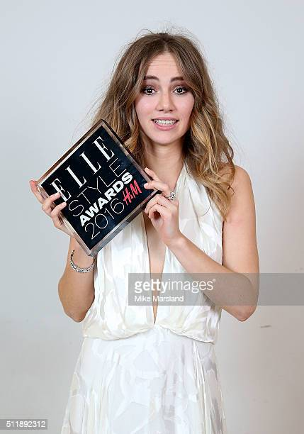Suki Waterhouse winner of the Breakthrough Star of the Year award poses in the winners room at The Elle Style Awards 2016 on February 23 2016 in...