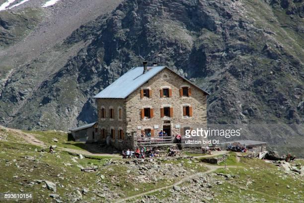 SuldenHintergrad Huette Sulden ist ein Bergdorf mit etwa 400 Einwohnern im Suldental im westlichen Teil Südtirols Es gehoert zur Gemeinde Stilfs...