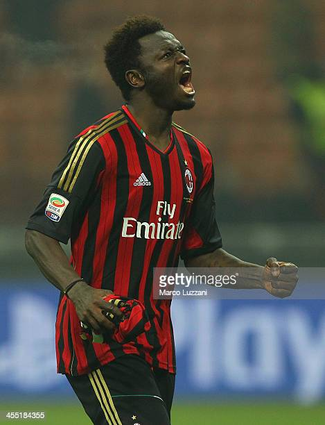 Sulley Ali Muntari of AC Milan celebrates at the end of UEFA Champions League Group H match between AC Milan and Ajax Amsterdam at Stadio Giuseppe...