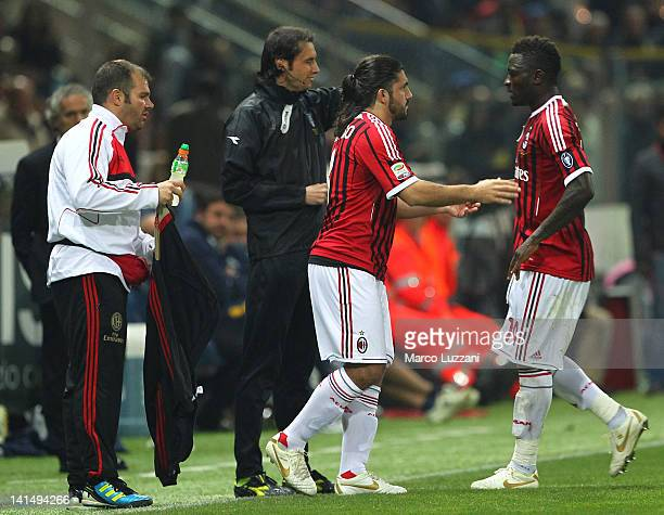 Sulley Muntari is replaced by Gennaro Gattuso of AC Milan during the Serie A match between Parma FC and AC Milan at Stadio Ennio Tardini on March 17...