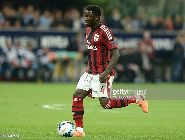 Sulley Muntari of AC Milan in action during the Serie A match between AC Milan and US Sassuolo Calcio at San Siro Stadium on May 18, 2014 in Milan,...