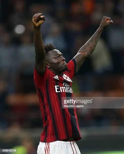 Sulley Muntari of Milan celebrates after scoring the opening goal during the Serie A match between AC Milan and AC Chievo Verona at Stadio Giuseppe...