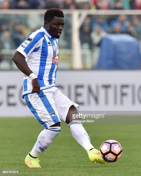 Sulley Muntari of Pescara Calcio in action during the Serie A match between Pescara Calcio and AC Milan at Adriatico Stadium on April 2 2017 in...
