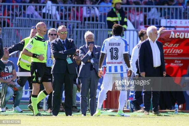 Sulley Muntari of Pescara react with the supporters during the Serie A match between Cagliari Calcio and Pescara Calcio at Stadio Sant'Elia on April...