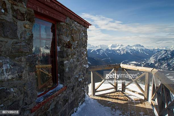 sulphur mountain lookout - sulphur mountain stock pictures, royalty-free photos & images