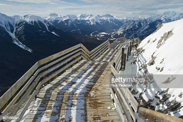 sulphur mountain viewpoint - sulphur mountain stock pictures, royalty-free photos & images