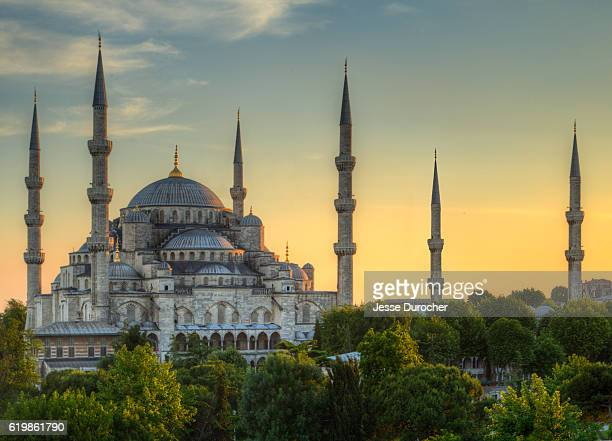 sultan ahmed mosque at sunset - blue mosque stock pictures, royalty-free photos & images