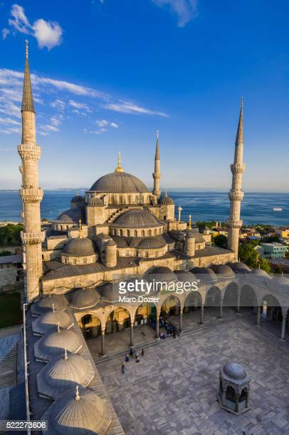 sultan ahmet camii (blue mosque) in istanbul - blue mosque stock pictures, royalty-free photos & images