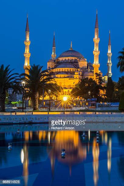 Sultan Ahmet Camii or Blue Mosque at dawn