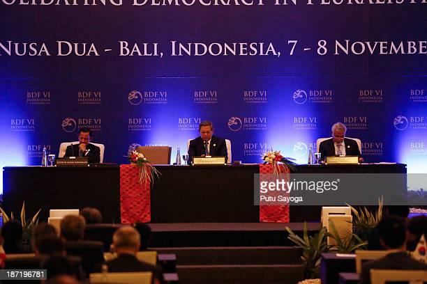 M Sultan Hassanal Bolkiah of Brunei Darussalam Indonesian President Susilo Bambang Yudhoyono and Timor Leste Prime Minister Xanana Gusmao during Bali...