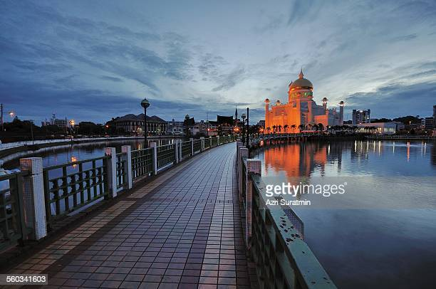 Sultan Omar Ali Saifuddin Mosque during sunrise