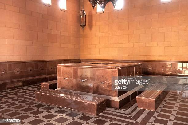 sultan qaboos grand mosque, ablution basin. - qaboos bin said al said stock pictures, royalty-free photos & images